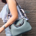กระเป๋าแฟชั่น สะพายข้าง สไตล์แอร์เมส เรียบเก๋ดูดี สวยอินเทรนด์ ปากกระเป๋าซิป ถือหรือสะพายก็สวยดูดี (PN-9104)