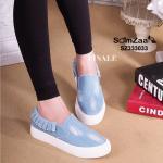 รองเท้าผ้าใบ ทรง slip on สวยเก๋ ทำจากผ้ายีนส์อย่างดี ดีเทลเก๋ด้วยการแต่งระบายขอบ เสริมพื้น สูง 1 นิ้ว สวยหวานเก๋ แมทได้ทุกชุด สียีนส์เข้ม ยีนส์อ่อน (SZ333033)