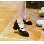 รองเท้าคัทชู ส้นเตี้ย สวยน่ารัก ผ้ากำมะหยี่นิ่ม สายคาดหน้าติดมุข ส้นตัน สูง 1 นิ้ว ขับผิวเท้าโดดเด่น น้ำหนักเบาใส่ออกมาน่ารัก ให้ ลุคสาวหวาน แมทสวยได้ทุกชุด สีดำ ครีม เทา (R888-41)