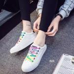 รองเท้าผ้าใบแฟชั่น ดีไซน์สวยเท่่ห์ รูปทรงเพรียวกระชับ เสริมลุคเก๋ๆ ด้วยเชือก รองเท้าหลากสี พร้อมรูระบายอากาศรอบด้าน พื้นยางขอบยางอย่างดี ชิคสุดๆ สูงหน้า 2.5 ซม. ส้นสูง 2.7ซม.