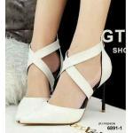 รองเท้าคัทชู ส้นสูง ทรงหัวแหลม ทรงเก๋ สวยหรู ดีเทลหน้าไขว้ เซ็กซี่มาก วัสดุหนัง Pu นิ่มๆ ซิปหลังใส่ง่าย ส้นสูง 4 นิ้ว งานสวยมากๆ แมทได้ทุกชุด สีดำ ขาว (6891-1)