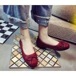 รองเท้าคัทชู ส้นแบน NEW CLASSIC BOW FLATS ฮิตตลอดกาล ทรงแฟลท พื้นแบน วัสดุ pu พิมพ์ลายตารางเนื้อหนานิ่มขึ้นทรงกุ๊นขอบรอบ แต่งหนังแมท เรียบที่ปลายเท้า พร้อมดีไซน์แต่งโบว์เชือกสปาเก็ตตี้เส้นเล็กฟรุ้งฟริ้งดูดีมาก สินค้าสวยตามแบบ ถ่ายงานขายจริง ใส่ได้เรื่อยๆ