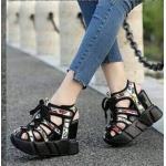รองเท้าผ้าใบแฟชั่น เสริมส้น ส้นเตารีด ดีไซน์เก๋แต่งหนังลายผูกเชือกหน้า พื้น PU น้ำหนักเบา เสริมส้น 2 ระดับ เอาใจสาวไซส์เล็ก ให้โดดเด่นมั่นใจ ความสูงด้านหน้าประมาณ 2.5 ด้านหลัง 5 นิ้ว ใส่สบาย แมทสวยได้ทุกชุด