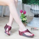 รองเท้าแฟชั่น ส้นเตารีด แบบสวมนิ้วโป้ง แต่งลายสไตล์อิซเซ่สวยเก๋ ใส่สบาย แมทสวยได้ทุกชุด (M1784)