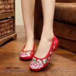 รองเท้าผ้าปัก ลายจีน สุดฮอต ผ้าอย่างดีนิ่ม ใส่สบาย ลายดอกใหญ่ๆ สวยงามมาก งานละเอียด ทนทาน แมทได้เก๋ทุกชุด สีดำ แดง น้ำเงิน