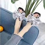 รองเท้าแตะแฟชั่น แบบสวม แต่งโบว์ซาตินใหญ่ติดเพชรคริสตัลสวยหรู หนังนิ่ม งานสวย ใส่สบาย แมทสวยได้ทุกชุด