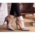 รองเท้าคัทชู ส้นสูง สวยหรู รัดข้อ แต่งหมุดทองสไตล์วาเลนติโน คาด T ด้านหน้า หนังนิ่ม อย่างดี ใส่สบาย ส้นสูงประมาณ 3.5 นิ้ว แมทสวยได้ทุกชุด
