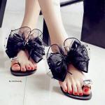 รองเท้าแตะ ทรงสวมนิ้วโป่ง สไตล์ GUESS แต่งโบว์ผ้าชีฟองใหญ่หรูหรา น่ารัก สวมนิ้วโป้งแต่งอะไหล่เพรชเม็ดโต งานจริงสวยตามแบบ ใส่สบาย