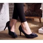 รองเท้าคัทชูส้นสูง สวยหรู แต่งอะไหล่ด้านหน้าสไตล์แบรนด์ หนังนิ่มอย่างดี ทรงสวย เพียว ส้นสูงประมาณ 3 นิ้ว แมทสวยได้ทุกชุด