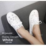 รองเท้าคัทชู ทรงผ้าใบ หนังฉลุลายน่ารัก แต่งเชือกผูกสไตล์วินเทจที่ยังคงความคลาสสิค ส้นยางกันลื่นหนา 0.5 ซม. ใส่สบาย แมทสวยได้ทุกชุด (345-106)
