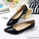 รองเท้าคัทชู สีดำ ส้นเตี้ย ทรงหัวแหลม ช่วยให้เท้าดูเรียวยาว วัสดุหนัง Pu นิ่มๆ ดีเทลลายสวย ส้น 1.5 นิ้ว ใส่เดินสบายๆ แมทสวยได้ทุกโอกาส (PY7700)
