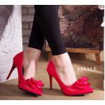รองเท้าคัทชู ส้นสูง สวยหรู ทรงหัวแหลมเก็บหน้าเท้าเรียว เพิ่มความหรูด้วยโบว์ ด้านหน้า สูงประมาณ 3.5 นิ้ว แมทสวยได้ทุกชุด