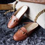 รองเท้าคัทชู เปิดส้น ทรงหัวกลม แบบสวม ติดอะไหล่สีทองสวยหรู สวมใส่ง่าย ใส่สวยได้หลายโอกาส สูง 1 cm หน้งนิ่ม ทรงสวย ใส่สบาย แมทสวยได้ทุกชุด (C54-039)
