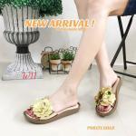 รองเท้าแตะแฟชั่น แบบสวม แต่งช่อดอกไม้สวยหรู หนังนิ่ม พื้นนิ่ม ทรงสวย ใส่สบาย แมทสวยได้ทุกชุด (PU6171)