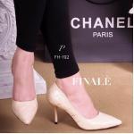 รองเท้าคัทชู ส้นสูง CHANEL style หนังอย่างดี สวยหรู ดีเทลลายตาราง ตามสไตล์แบรนด์ ทรงสวย Classic ใส่สวยเก็บทรงเท้า พื้นนิ่มอย่างดี ดูดี มีสไตล์ ไม่ว่าจะแมทชุดไหน ก็สวย สีดำ ครีม สูง 3 นิ้ว (FH 192)