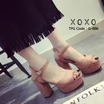 รองเท้าแฟชั่น ส้นสูง รัดข้อ งานเกาหลี ตกแต่งสีเรียบ สวย ดูดี เกินราคา ส้นเป็นทรงแท่ง ช่วยเรื่องการยืน ทรงตัว เดินง่ายกว่าทั่วไป ความสูงส้น 4 นิ้ว หน้าเสริม 1.5 นิ้ว วัสดุหนังสักหราด สวมใส่เท้าขาว ด้านข้างเป็นตะขอเกี่ยวปรับรูกระชับได้ 4 รู แมทสวยได้ทุกชุด