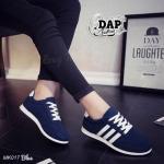 รองเท้าผ้าใบแฟชั่น เสริมส้น รุ่นฮิตขายดี ทรง Sport ดีไซน์สวยเก๋แต่ง แถบด้านข้าง 3 แถบ สีทูโทนตัดขาว น้ำหนักเบา สวมใส่กระชับสบายเท้า