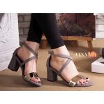 รองเท้าแฟชัน รัดข้อ สวยเก๋ ZARA style ทรง Classic สวยดูดี แบบสวมแต่งอะไหล่ทอง ด้านหน้า สายไขว้ ดูเท้าเรียว ดีเทลสายรัดข้อเท้าแบบเกี่ยว สายปรับกระชับเท้าได้ วัสดุ หนังกลับนิ่มอย่างดี สูงประมาณ 2.5 นิ้ว ใส่สบาย แมทสวยได้ทุกชุด (FT-330)