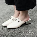 รองเท้าคัทชู เปิดส้น สวมลำลอง Style korea fashion วัสดุหนัง pu เจาะห่วงวงกลม สีเงิน ส้นเคลือบเงิน สูง 2 นิ้ว ดีไซน์เก๋ แมทได้ทุกชุด