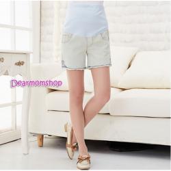 กางเกงคลุมท้องยีนส์ขาสั้นสีฟ้าซีดออกเหลือง แต่งลายปักกระเป๋าหลัง
