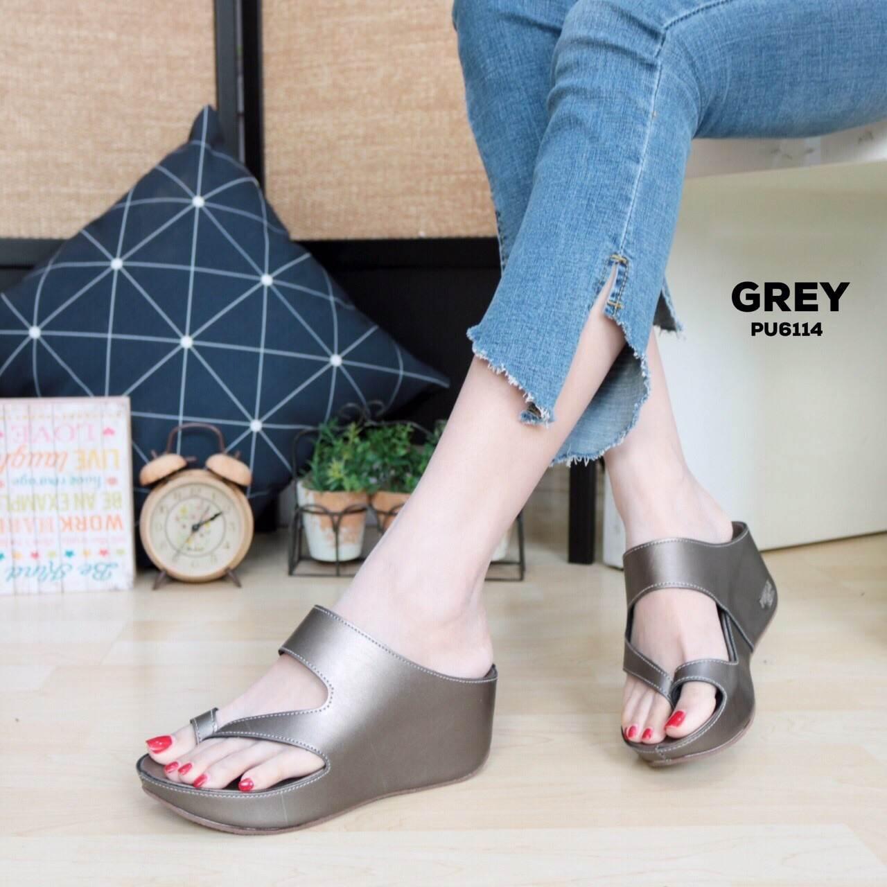 รองเท้าแฟชั่น ส้นเตารีด แบบสวมสวยเรียบเก๋ ทรงสวย หนังนิ่ม ใส่สบาย แมทสวยได้ทุกชุด (PU6114)