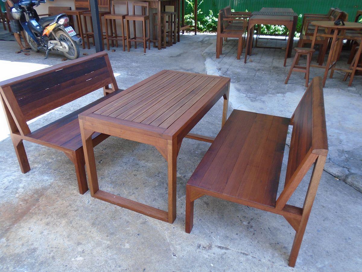 ชุดโต๊ะม้านั่งดำเนิน