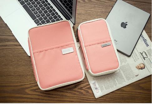 กระเป๋าใส่ Passport สีชมพู