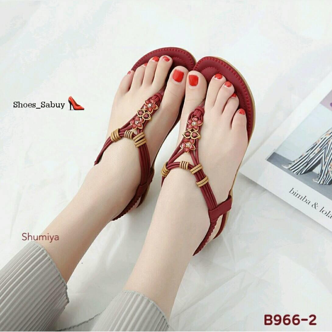 รองเท้าแตะแฟชั่น รัดส้น แบบหนีบ แต่งคริสตัล สลับโครเมี่ยมสีทองลายเก๋สไตล์โบฮีเมียน พื้นเย็บนวมนุ่ม ใส่สบาย พื้นยางกันลื่น แมทสวยได้ทุกชุด (B966-2)
