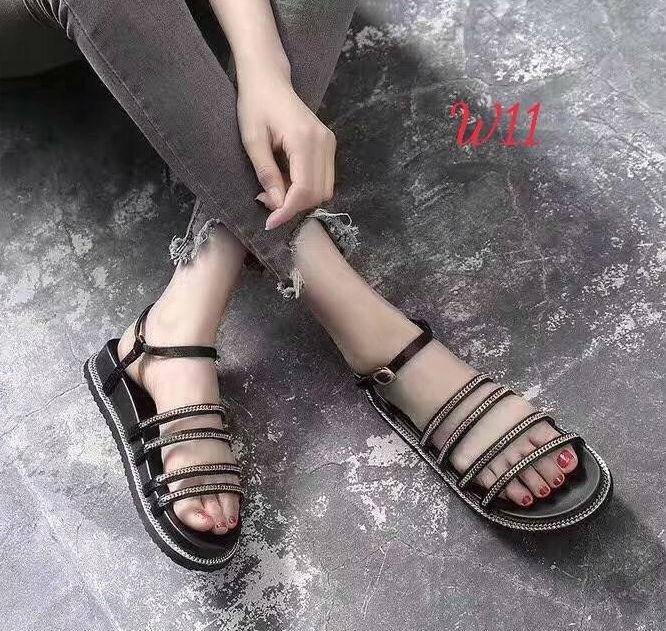 รองเท้าแตะแฟชั่น ส้นมัฟฟิน รัดส้น แบบสวม ดีไซน์หนังเส้นแต่งโซ่สวยเก๋ หนังนิ่ม ทรงสวย ใส่สบาย แมทสวยได้ทุกชุด