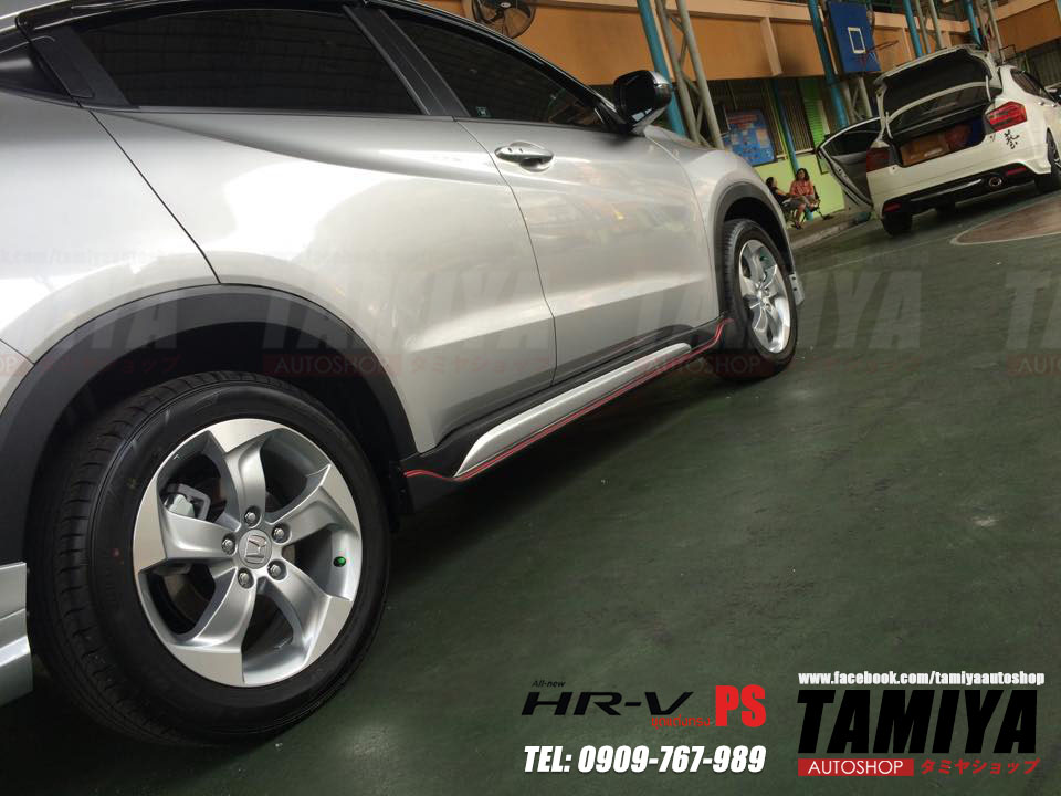 honda hrv silver side view