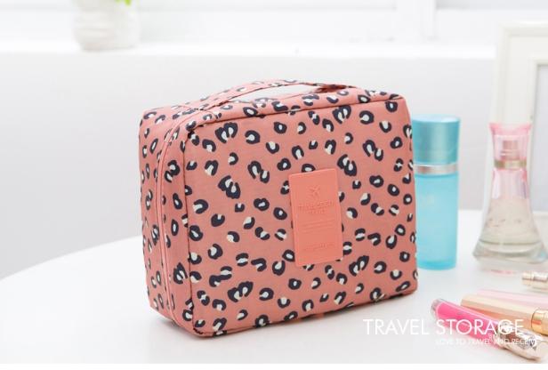 กระเป๋าเครื่องสำอาง/อุปกรณ์อาบน้ำ Travel storage สีชมพูลาย