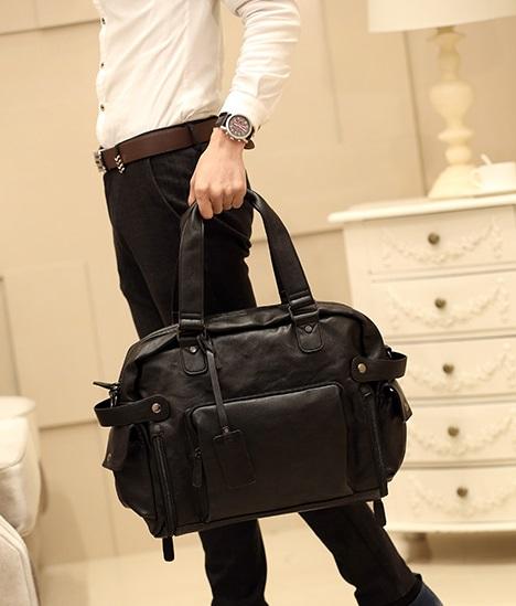 กระเป๋าสะพายข้างผู้ชาย Extra large leather