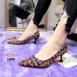 รองเท้าคัทชู ส้นเตี้ย แต่งผ้าลายทวิตสไตล์ชาแนล ลายแพลตเทิร์นตามแบรนด์สวยหรู น้ำหนักเบา ทรงสวย หนังนิ่ม สูง 2.5 นิ้ว ใส่สบาย แมทสวยได้ทุกชุด ดำ ทอง (1099)