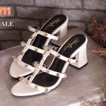 รองเท้าแฟชั่น แบบสวม แต่งหมุดสไตล์วาเลนติโนสวยเก๋ ทรงสวย เก็บเท้า ใส่สบาย ส้นตัดสูงประมาณ 2.5 นิ้ว แมทสวยได้ทุกชุด