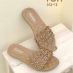 รองเท้าแตะแฟชั่น แบบสวม แต่งดอกไม้ด้านหน้าสวยน่ารัก หนังนิ่มอย่างดี พื้นบุนิ่ม ใส่สบาย แมทสวยได้ทุกชุด (612-13)