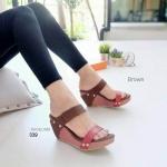 รองเท้าแฟชั่น ส้นเตารีด แบบสวม สวยเก๋ แต่งหนังลายสานตัดหนังเรียบ ตอกหมุดข้าง ส้น สูงประมาณ 3 นิ้ว เสริมหน้า ใส่สบาย แมทสวยได้ทุกชุด (sj339)