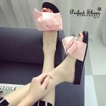รองเท้าแตะ STYLE KOREA ทรงสวม ดีไซน์น่ารัก ผ้าผูกโบว์ใหญ่เกร๋ๆ พื้นสโลปรับอุ้งเท้าได้ดี ใส่เที่ยว ใส่ชิว น่ารักมาก งานนำเข้า100% หน้า 1.8 cm.,ส้น 2.2 cm. สีแดง,ชมพู,เขียว