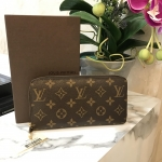 (SOLDOUT)LOUISVUITTON zippy wallet monogram ปี 10