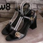 รองเท้าแฟชั่น ส้นเตารีด รัดส้น แต่งอะไหล่ทอง GG สวยเก๋ หนังนิ่ม ทรงสวย ส้นตัดสูงประมาณ 2.5 นิ้ว แมทสวยได้ทุกชุด