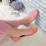 รองเท้าคัทชู ส้นแบน สวยหวาน วัสดุเป็นผ้าพิมพ์ลายดอกไม้ และเย็บดอก เหมือนงานผ้าลูกไม้เพิ่มความน่ารัก ฐานรองเท้าเป็นยางกันลื่นตลอดแนว สวยหวาน ใส่สบาย แมทเก๋ได้ทุกชุด สีน้ำตาล ชมพู แดง สูง 1 เซนติเมตร (K3009)
