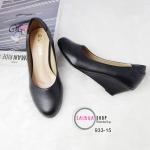 รองเท้าคัทชู ส้นเตารีด หนังนิ่ม เสริมส้นเตารีด สูง 2 นิ้ว แบบเรียบสุดคลาสสิค สีดำ ใส่ทำงาน ชุดทางการ ใส่เที่ยว แมทสวยได้ทุกชุด (933-15)