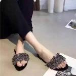 รองเท้าแตะแฟชั่น แบบสวม แต่งอะไหล่คลิสตัลด้านหน้าสวยหรู พื้นยางอย่างดี ยืดหยุ่น ใส่ สบายแมทสวยได้ทุกชุด
