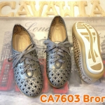 รองเท้าผ้าใบแฟชั่น หนังอย่างดีแต่งลายฉลุสวยเก๋ ผูกเชือกด้านหน้า พื้นยางอย่างดีนิ่ม ใส่ สบาย แมทสวยเท่ห์ได้ทุกชุด (CA7602)