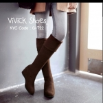 รองเท้าบูทยาว Winter Boots ทรงขายดีตลอดกาล ทรงสวย วัสดุหนังกลับ ตัวเนื้อผ้านุ่มใส่สบายเท้า ผ้ายืดหยุ่น สามารถยืดได้เพิ่มอีกอีกเล็กน้อย ใส่ แล้วทรงเกาะขา สวยงาม บุด้านในเป็นหนังกลับผสมผ้าทับซ้อนอีกที สวม ใส่แล้วอุ่นแน่นอน ใส่ได้ถึงอุณหภูมิติดลบ เป็น Multi
