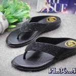 รองเท้าแตะแฟชั่น แบบหนีบ แต่งคลิสตัลเพชรสวยหรู พื้นนิ่ม ใส่สบาย แมทสวยได้ทุกชุด (PU6082)