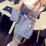 กระเป๋าแฟชั่น เซ็ต 2 ใบ สวยน่ารัก mao mao bag แต่งพู่หนัง พร้อมกระเป๋าเล็กเข้าชุด ขนาด 9 นิ้ว มี 4 สี ชม เทา ดำ ฟ้า