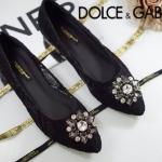 รองเท้าคัทชู ส้นเตี้ย สวยหรู สไตล์ D&G ลูกไม้ลายสวยหวานทั้งตัวรองเท้า แต่งอะไหล่ดอกไม้เพชรหรูมาก สวยไฮโซ เก็บขอบอย่างดี งานสวย แมทชุดไห นก็อัฟลุคให้ดูดีมีระดับ (DJ689)