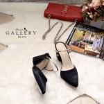 รองเท้าคัทชู เปิดส้น สวยหรู แต่งคาดเส้นทองสไตล์ zara ทรงสวยเก็บหน้าเท้า ใส่ ง่าย ส้นตัดสูงประมาณ 2.5 นิ้ว ใส่สวยดูดี แมทได้ทุกชุด (G5-213)