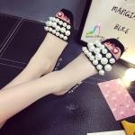 รองเท้าแฟชั่น แบบสวม สวยหรู วัสดุหนังสักหลาด แต่งอะไหล่มุกแน่น ส้นสูง 5 cm ดีไซน์ส้นหรูหรามีระดับ งานดีงานสวยตามแบบ มี 2 สี ดำ ครีม