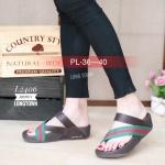 รองเท้าแตะแฟชั่น พื้นซอฟคอมฟอตเพื่อสุขภาพสไตล์ฟิตฟลอบ แบบสวมนิ้ว โป้ง คาดแถบสีสวยเก๋สไตล์กุชชี่ พื้นนิ่มรับน้ำหนักดี ใส่สบาย งานสวย ใส่ได้ทุก วัน สูง 1.5 นิ้ว (L2406)
